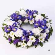 Blue and White Classic Wreath Standard